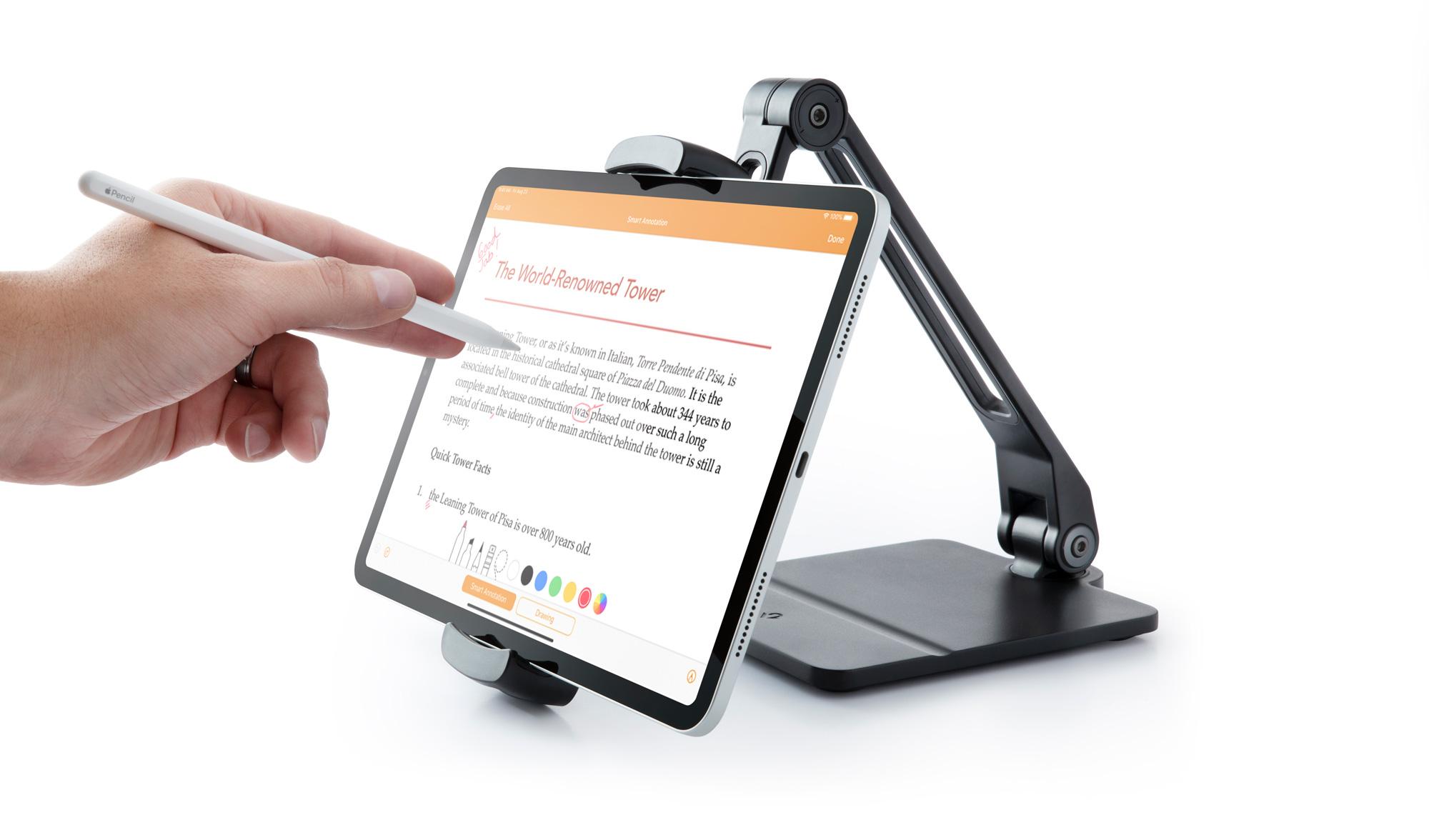 重量感あるベースでiPadをしっかり固定