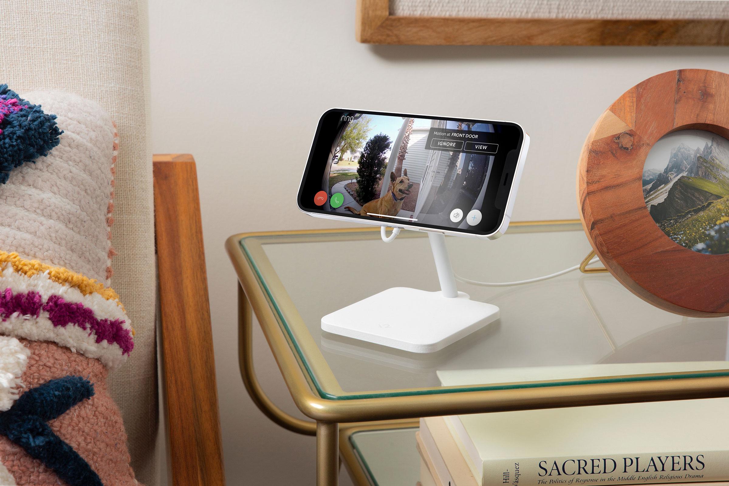 iPhoneのスクリーンの角度を75度まで調整可能