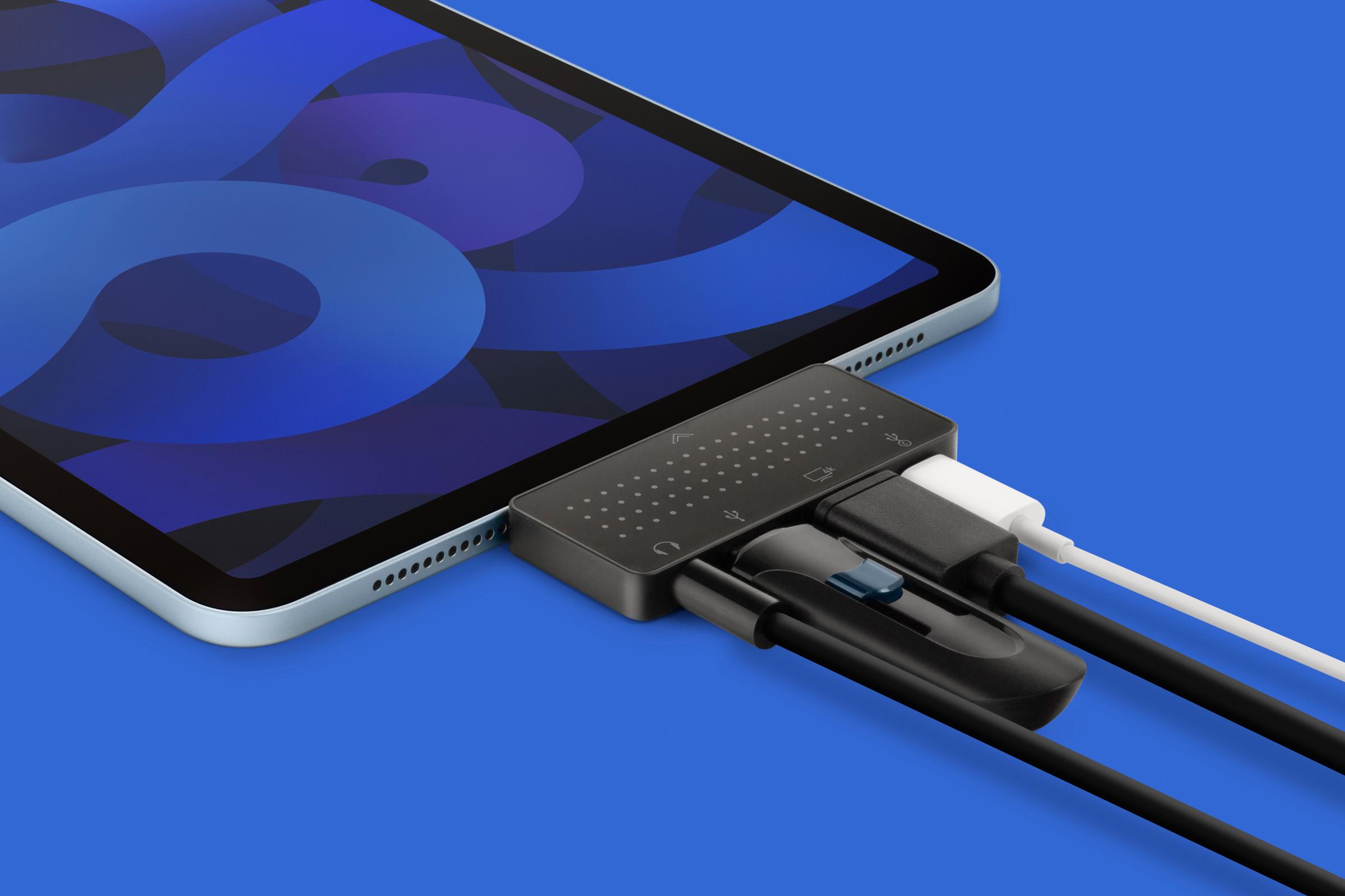 iPadやMacBookに周辺機器を接続するためのUSB-Cハブ「StayGo」のミニサイズ